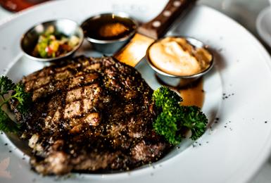 Foxy's Steak Bar